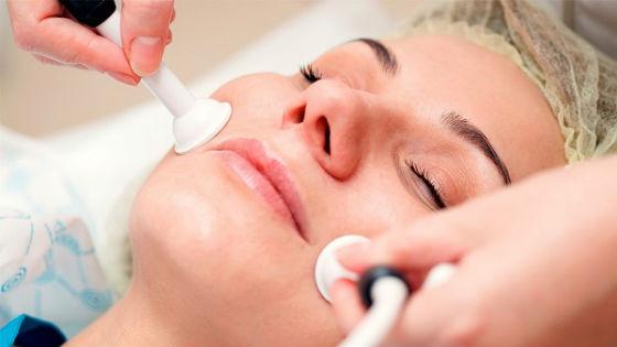 Аппаратная косметология для предупреждения и устранения складок вокруг губ