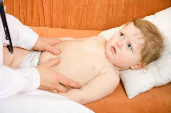 Заподозрить воспаление аппендикса у грудных детей достаточно сложно