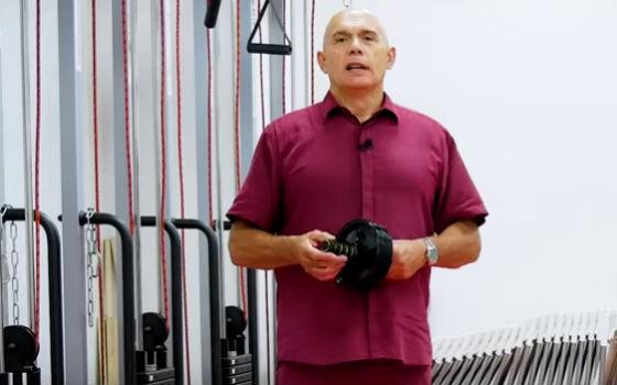 Бубновский об упражнениях с роликом