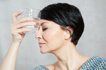 Менопауза у женщин что это такое симптомы лечение причины признаки профилактика