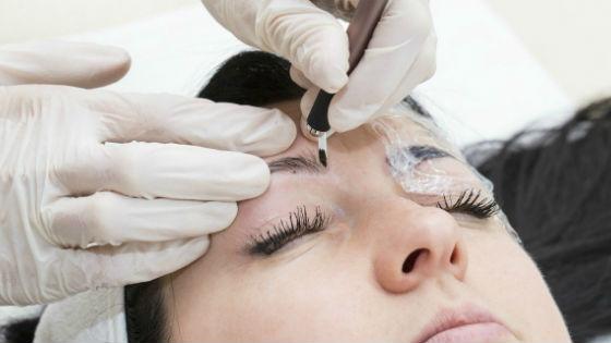 Перманентный макияж микроблейдирование бровной дуги