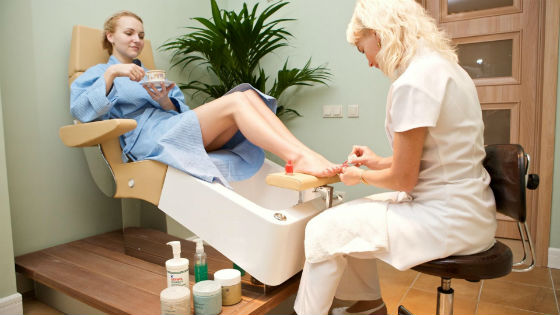 Европейская безобрезная методика обработки ногтей на ногах