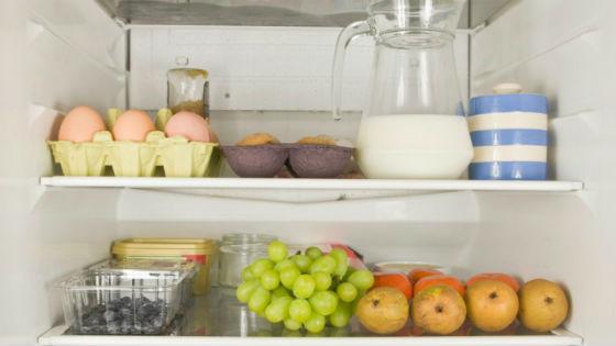 Хранение яиц на верхней полке холодильника
