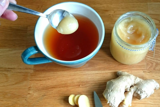 Медово-имбирный чай для снятия болевых ощущений при мигрени