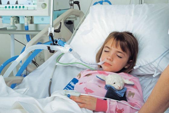 Часто воспаление легких возникает у ослабленных детей