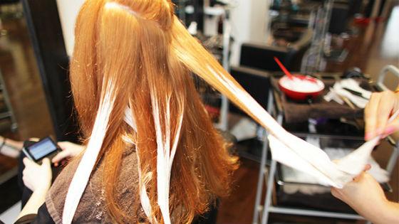 Принцип покраски волос для создания солнечных бликов