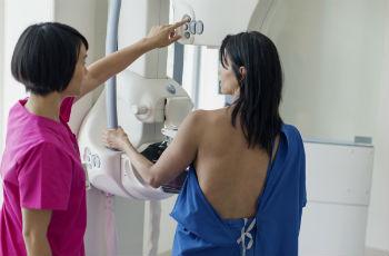 Обнаружение кальцинатов в груди у женщины
