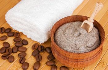 Кофейный скраб от целлюлита, эффективность, 7 рецептов домашних скрабов, противопоказания
