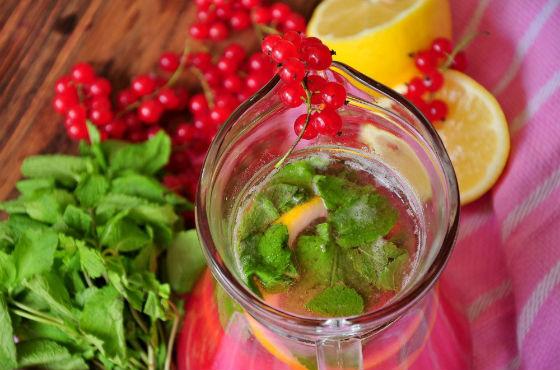 Сок из красной смородины с лимоном от гипертонии