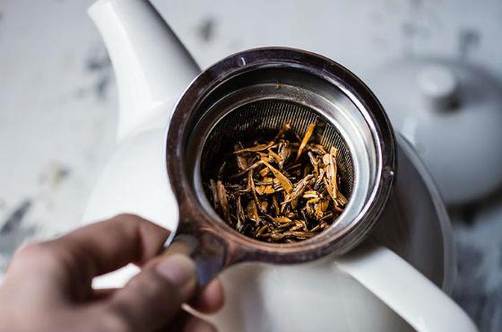 Черный крепкий чай от поноса