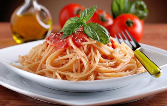 Паста с томатами как центральное блюдо диеты