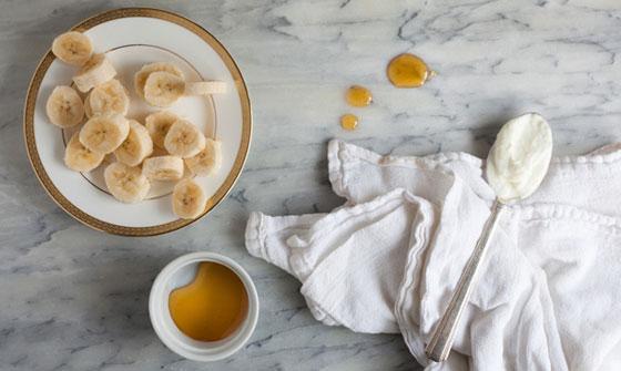 Рецепт маски из меда, банана и сливочного масла