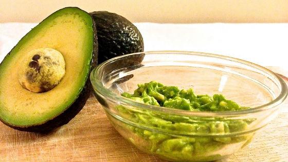Увлажняющие маски на основе авокадо