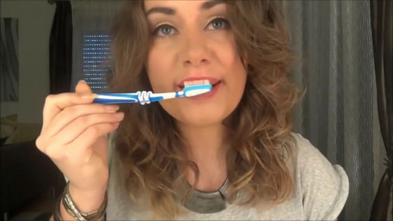 Зубная щетка в качестве массажера для губ