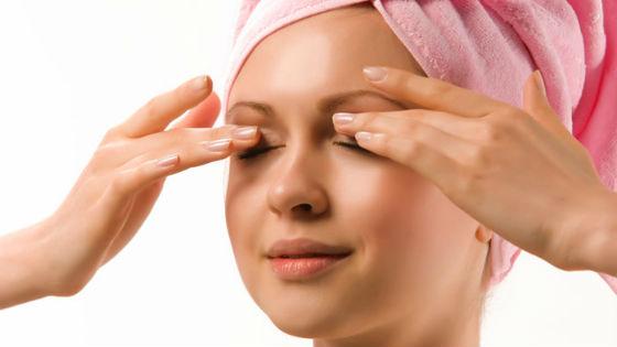 Массаж кожи вокруг глаз от морщинок