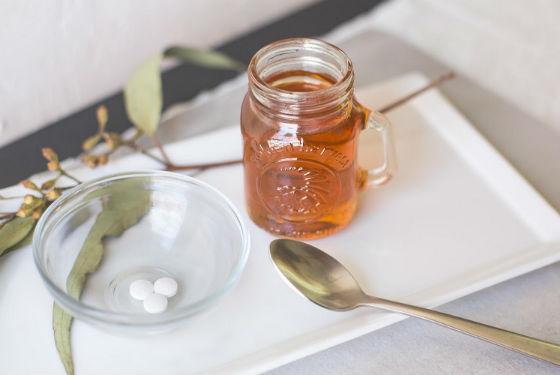 Приготовление медовых масок с аспирином от прыщей