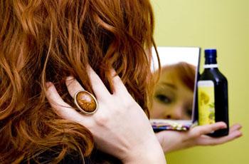Миндальное масло для волос, свойство, применение, рецепты масок