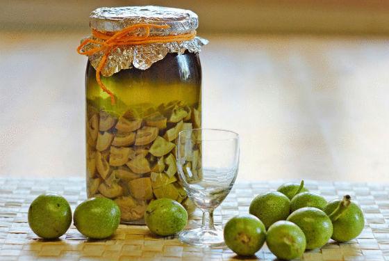 Настойка из молодого грецкого ореха