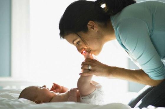 Окситоцин отвечает за материнскую привязанность