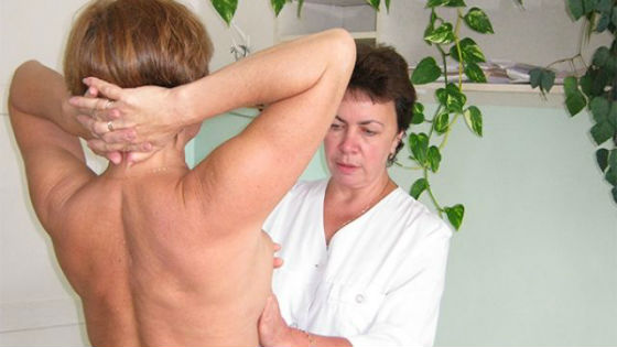 Пальпация как один из видов диагностики заболеваний груди