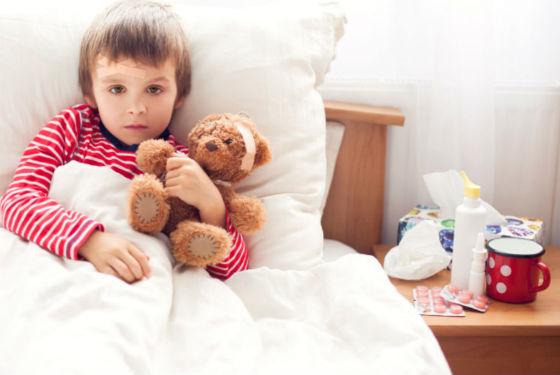 Удобно давать лекарственные леденцы детям с 2 лет