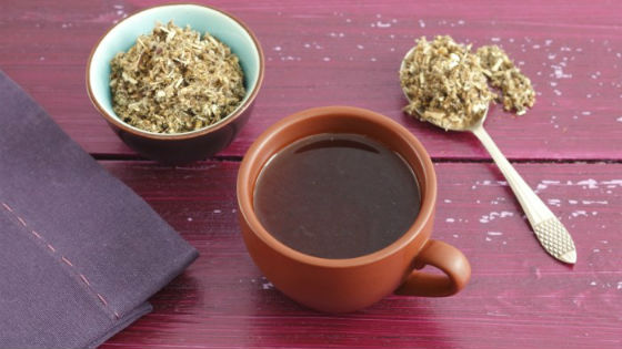 Порошок полыни можно заваривать в виде чая