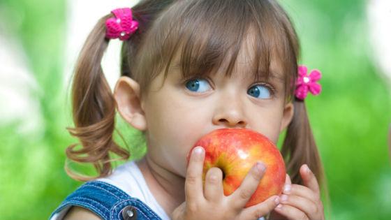 Красные овощи и фрукты как причина развития аллергического дерматита