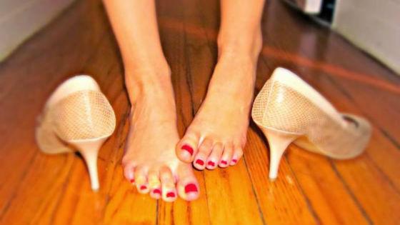 Неудобная обувь как частая причина натоптышей и мозолистых образований