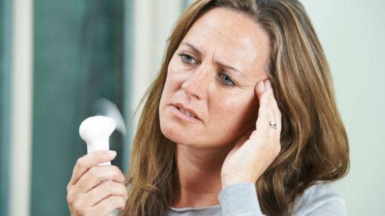 Приливы и потливость как основной симптом менопаузы