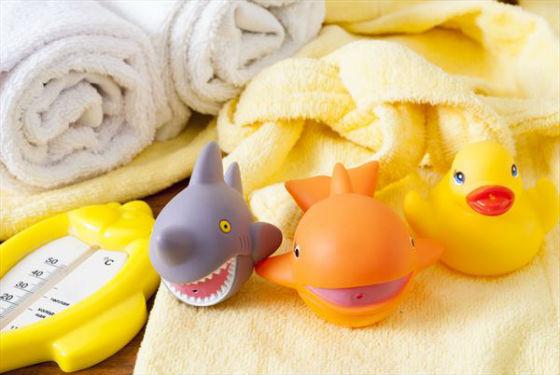 Водный термометр, игрушки, полотенце для купания грудничка