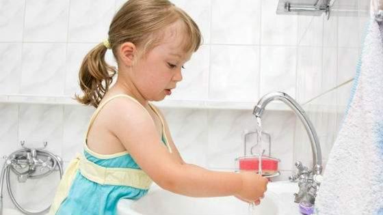 Частое мытье рук как наиболее эффективная мера профилактики заболеваний кишечника