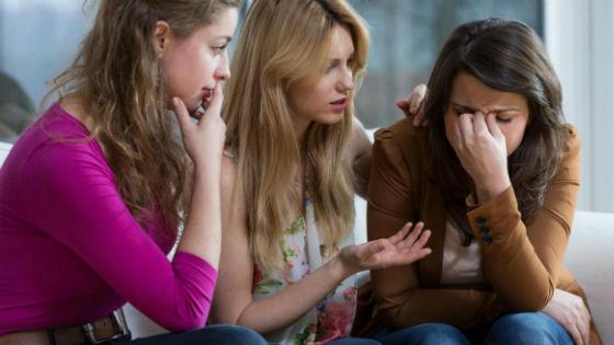 В качестве психолога может выступить сестра или подруга