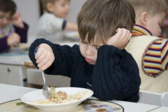 Непривычная еда как одна из причин нежелания посещать детский сад