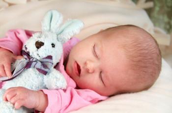 Ребенок плохо спит ночью, причины, что делать