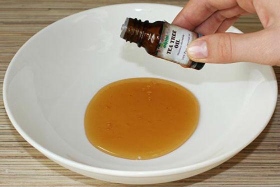 Масло чайного дерева в составе репейных масок