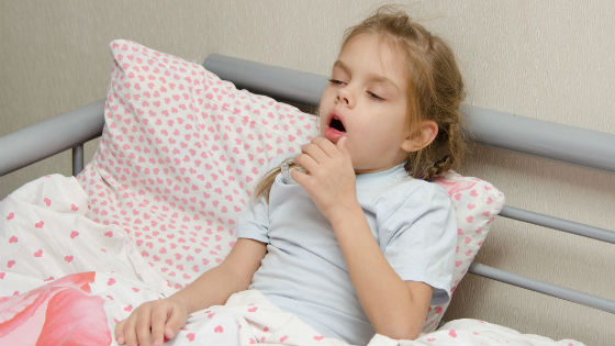 Сильный сухой кашель является признаком бронхита