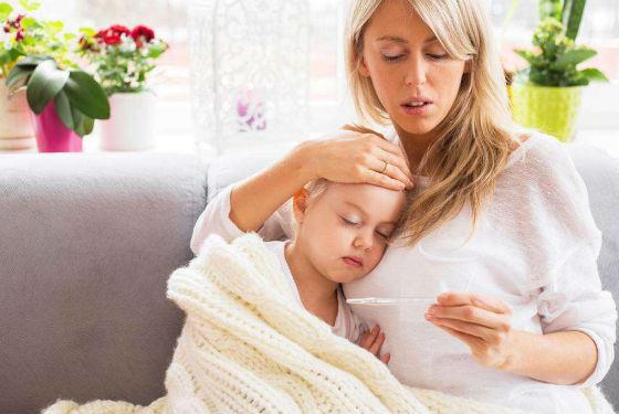 Повышение температуры как один из симптомов ацетонемии