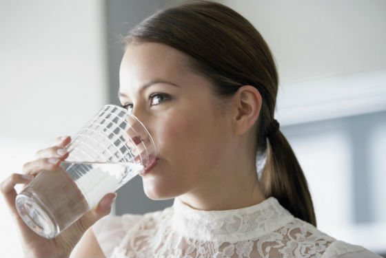 Употребление достаточного количества жидкости