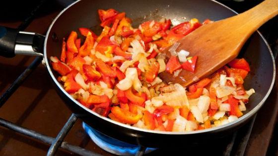 Китайцы редко едят сырые овощи, подвергая их тепловой обработке