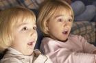 Ребенок смотрит телевизор - это польза или вред?