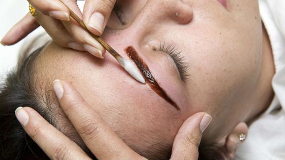 Удаление красителя с волосков после окрашивания