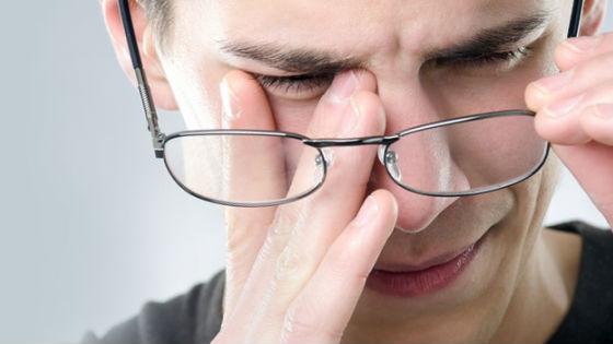 При высоком давлении может снижаться острота зрения
