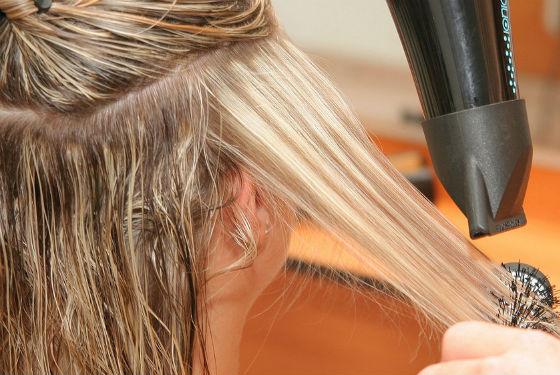 Укладка волос после коррекции отросших корней