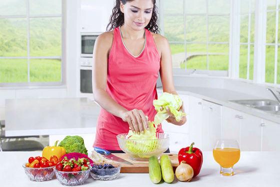 Лечение недостатка витаминов употреблением витаминизированной пищи