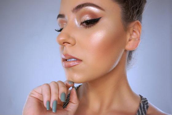 Техника мерцающего макияжа подойдет для вечернего образа