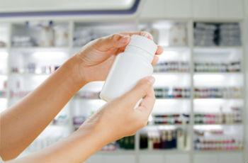 Какие витамины необходимо принимать женщине