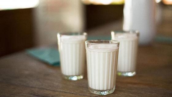 Меры предосторожности при покупке натурального козьего молока