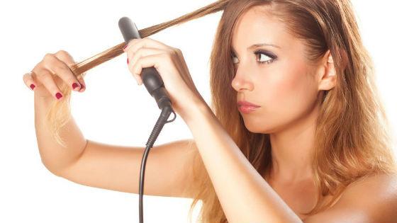Для избежания повреждения волос от утюжка нужно использовать термозащиту