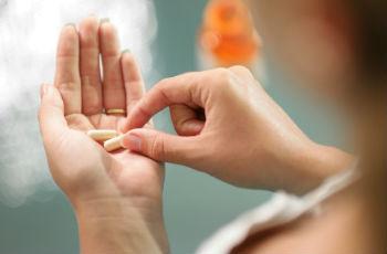Таблетки, вызывающие месячные: препараты при задержке